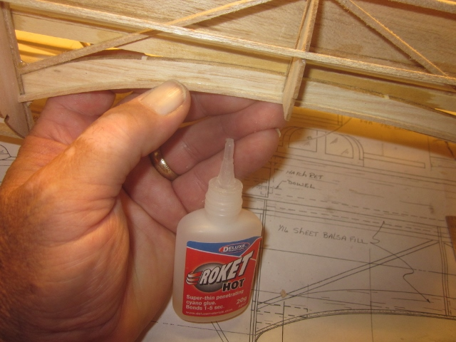 B-17-12-30     When that's done it looks like this. I chose to use Deluxe Materials Roket Hot (fast) here and hand-hold the joints for the few seconds  required for curing to avoid having to clamp or tape this delicate part of the structure.